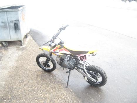 moto dirt 110ccm 4 t 4 vitesses garage aebi quad moto neige voiture machines agricoles. Black Bedroom Furniture Sets. Home Design Ideas