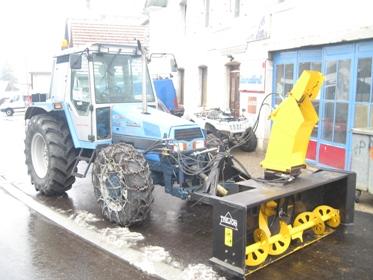 voici le tracteur a m jeandupeux le garage aebi quad moto neige voiture. Black Bedroom Furniture Sets. Home Design Ideas